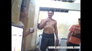 Женщина косплей томно и обворожительно мастурбирует на веб видеокамеру